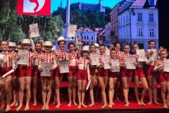 Tra(m)paste volitve - show dance formacija otroci